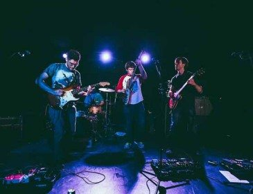 That's Right Moves and Shakes Mercury Lounge